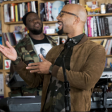 "Common, Robert Glasper e Karriem Riggins juntos no programa ""Tiny Desk Concert"""